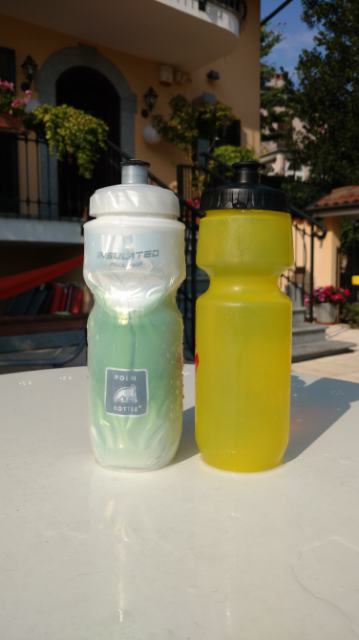Borracce a confronto: a SX la Polar Bottle Isolata